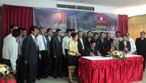 Lễ ký biên bản ghi nhớ giữa Khu bảo tồn Nakai Namtheun và VQG Vũ quang